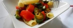 Pasta fredda con prosciutto crudo e zucchine